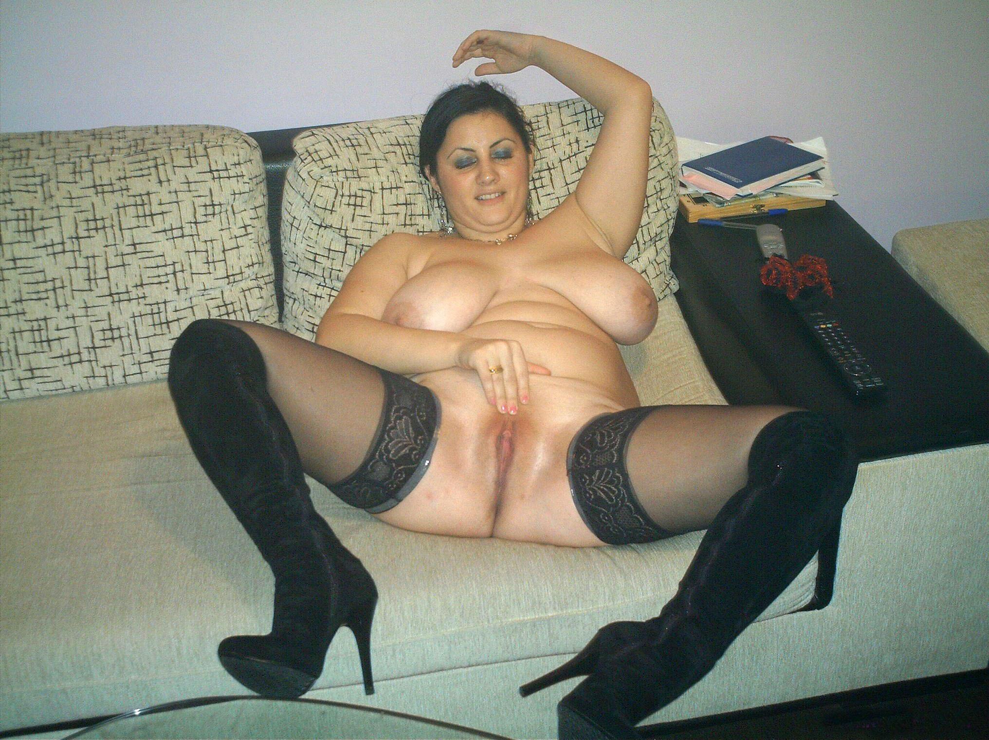 Снять для секса армянку 26 фотография